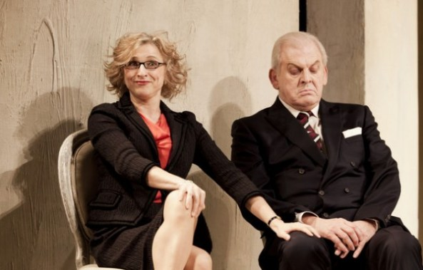 Rosemary Joshua (Despina) and Thomas Allen (Don Alfonso) in Royal Opera House's production of 'Così Fan Tutte' - February 2012 © Royal Opera House